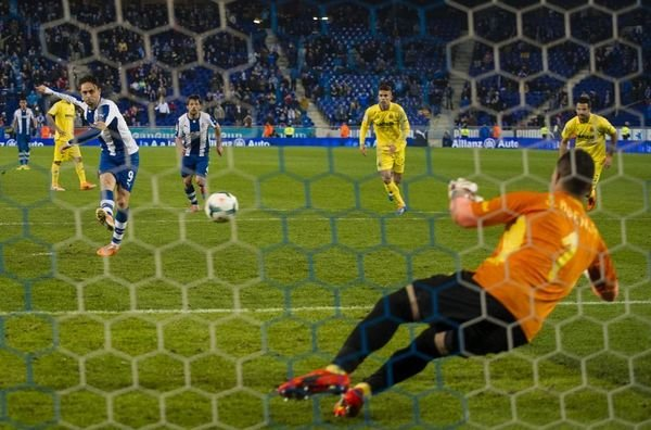 El-Villarreal-gano-al-Espanyol_54401717922_54115221154_600_396