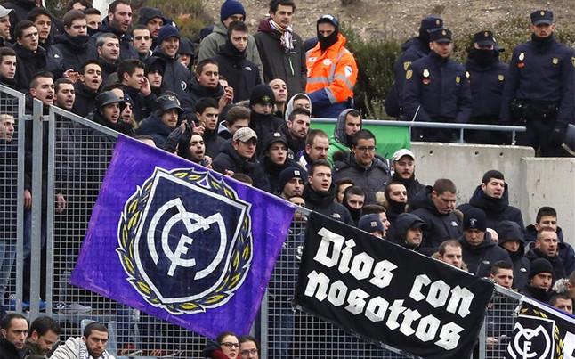 seguidores-los-ultra-sur-partido-esta-temporada-campo-del-rayo-vallecano-1424289406528